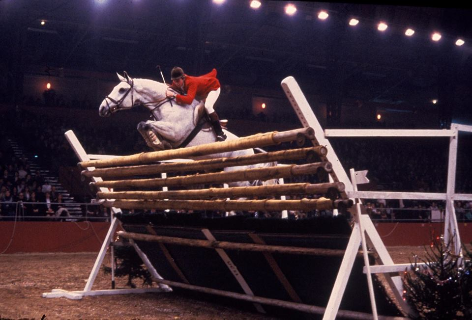 2017.12.15.99.99 FBF Nick Skelton & Lastic British Puissance Record Olympia HS