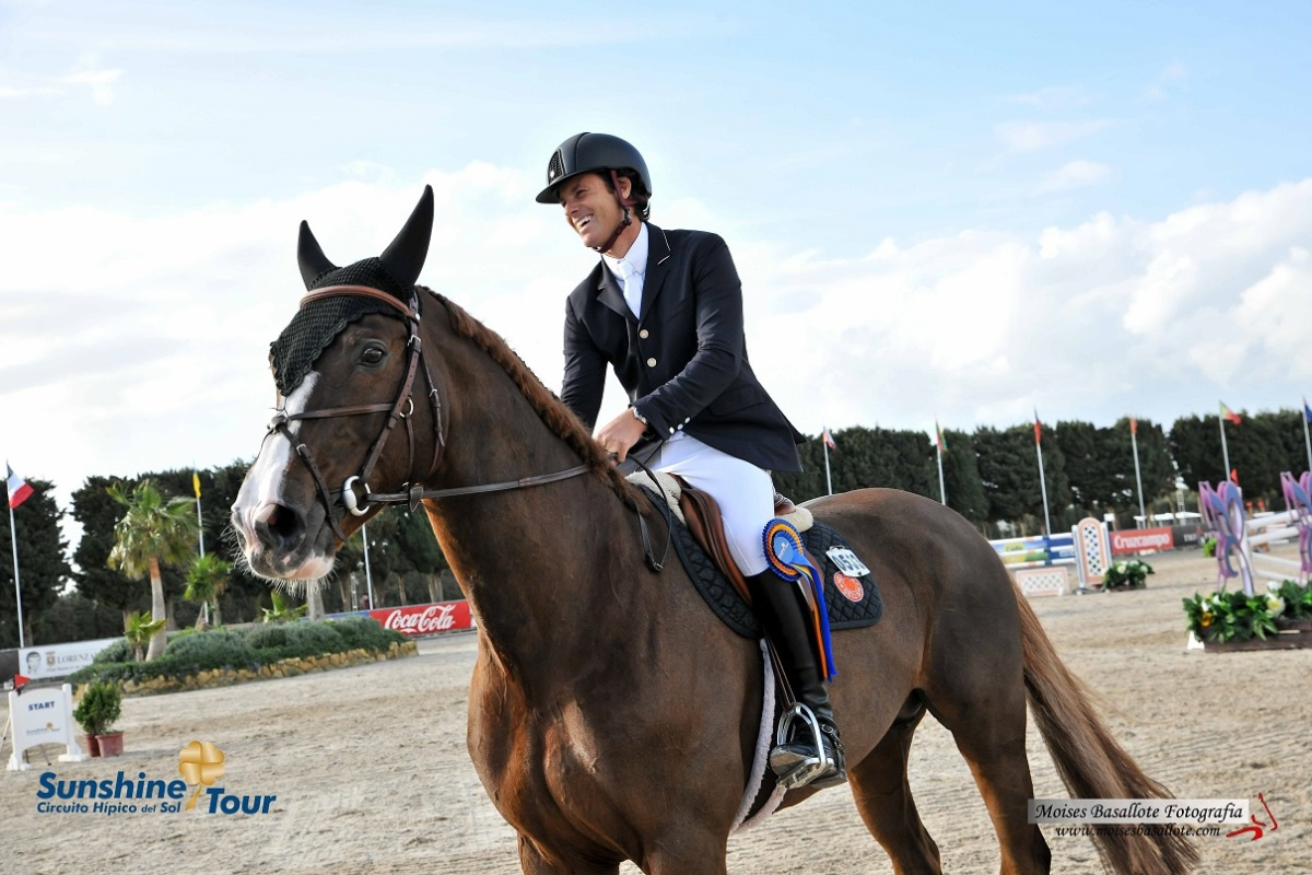 Pedro Veniss Amp Anaya Ste Hermelle Soar To Victory At Sunshine Tour Csi 3 Jumper News