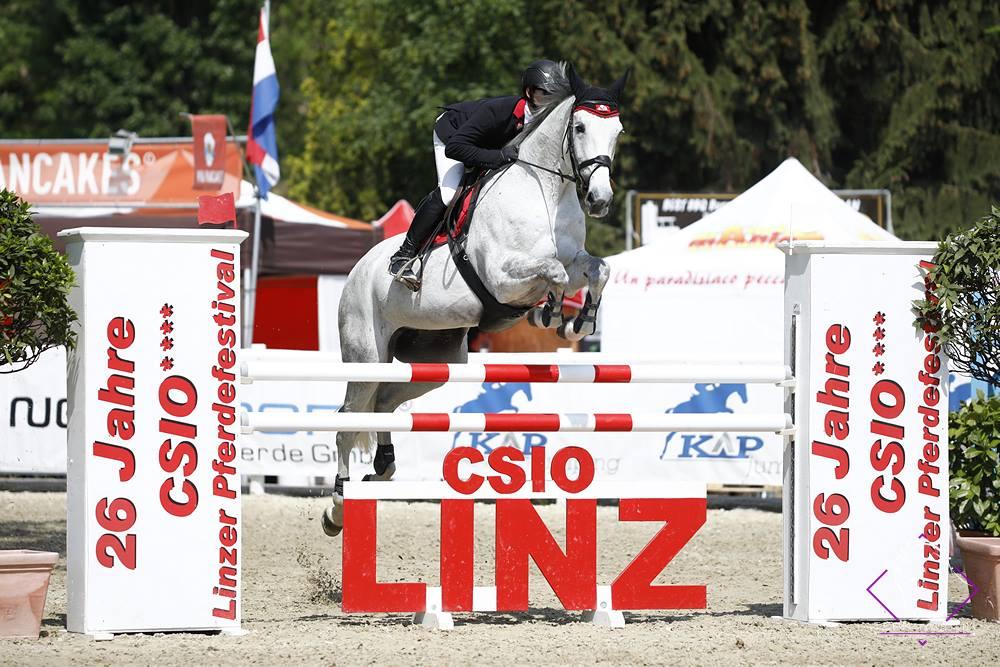 2018.05.07.99.99 Linzer  Pferdefestival CSIO 3 GP Sven Fehnl & Deep Blue Bridge S CSIO Linz.jpg
